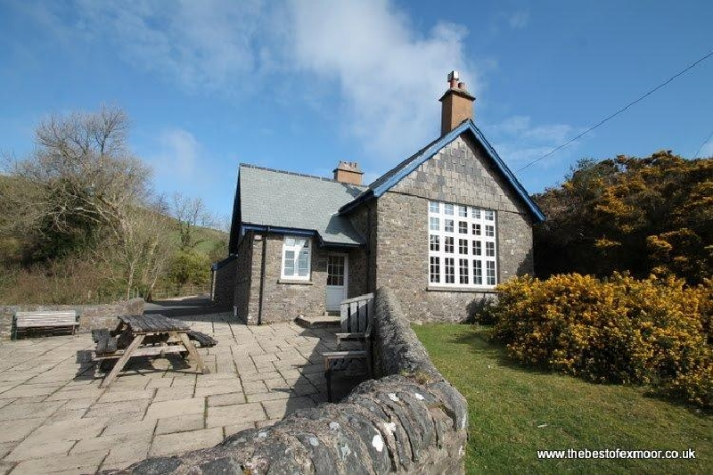 The School House a british holiday cottage for 13 in ,