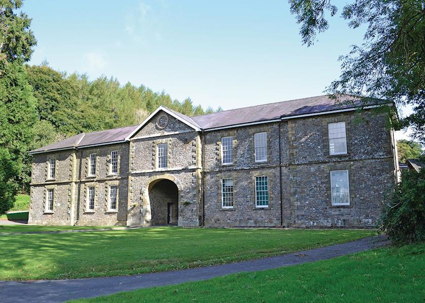 Pantglas Hall Lodges