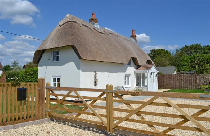 Kingscliffe Cottage a british holiday cottage for 4 in ,