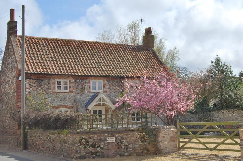Mayes Cottage a british holiday cottage for 6 in ,