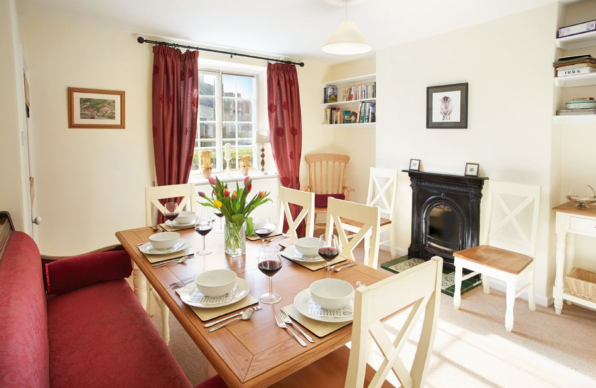 Click here for more about Harwood Cottage