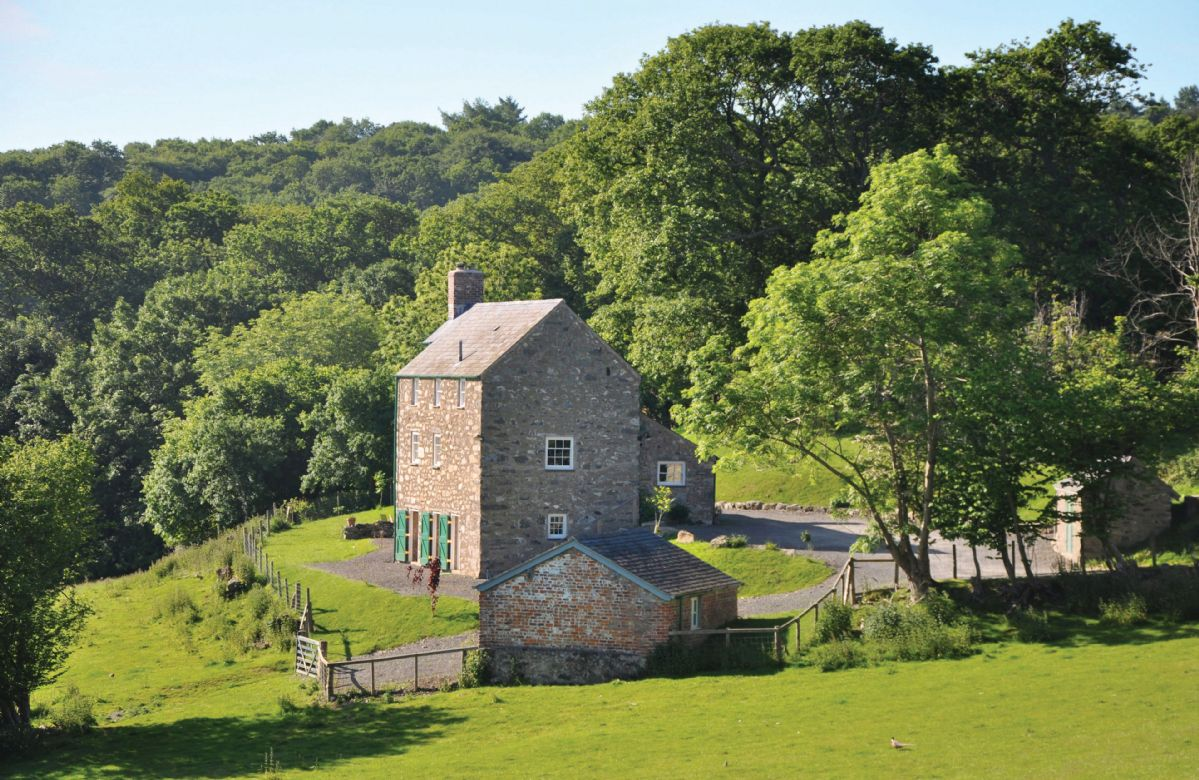 Lletty and Annexe a british holiday cottage for 8 in ,