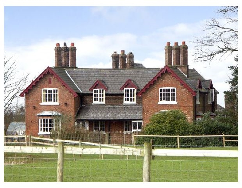 Dairy Apartment 1 a british holiday cottage for 4 in ,