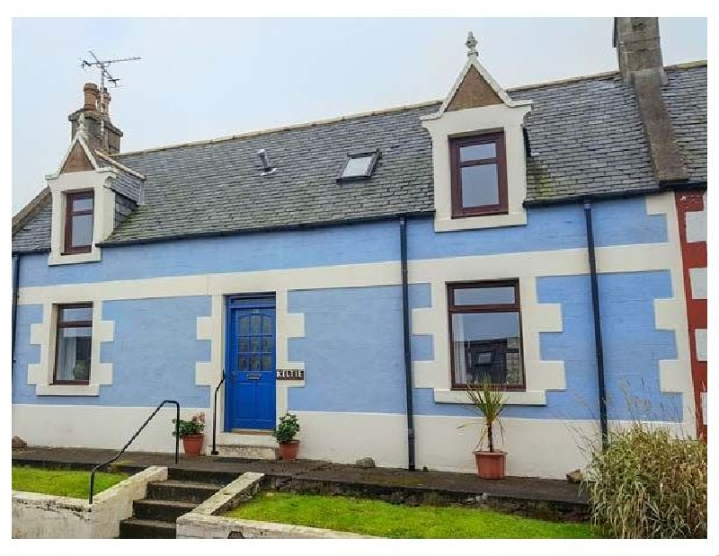 Keltie a british holiday cottage for 8 in ,