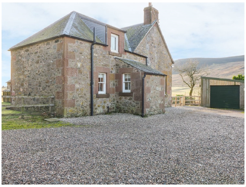 White Hillocks Farm House a british holiday cottage for 6 in ,