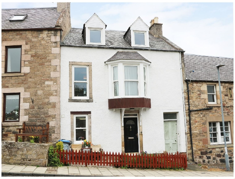 Castleview Cottage a british holiday cottage for 4 in ,