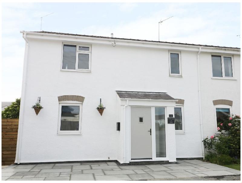 21 Llwyn Gwalch Estate a british holiday cottage for 8 in ,