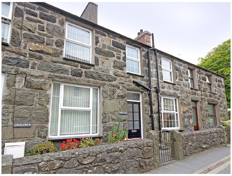 Bwthyn Serw a british holiday cottage for 4 in ,