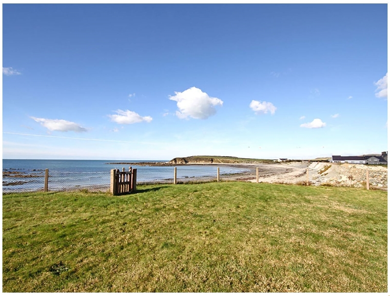 Click here for more about Beach House - Dryll-Y-Gro