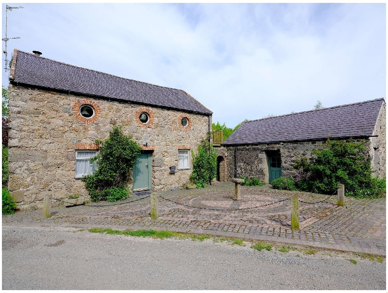 Vine Tree Barn a british holiday cottage for 4 in ,