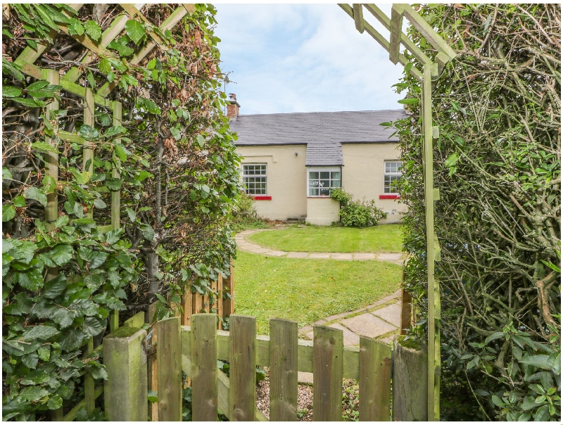3 Burnside Cottages a british holiday cottage for 2 in ,