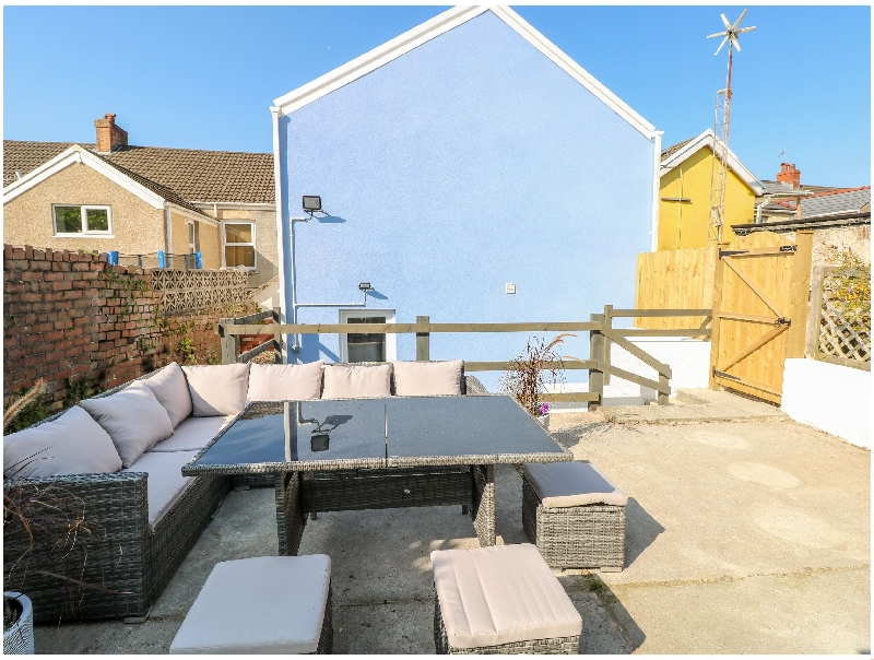 Siop y Rock a british holiday cottage for 8 in ,