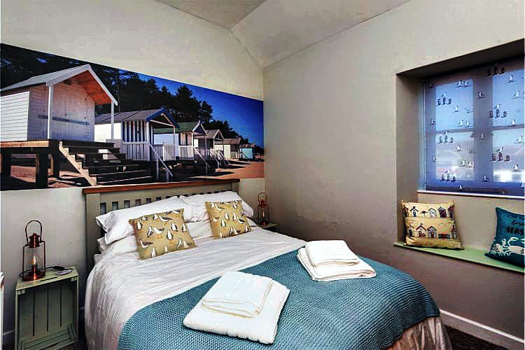 Diesels Den a british holiday cottage for 3 in ,
