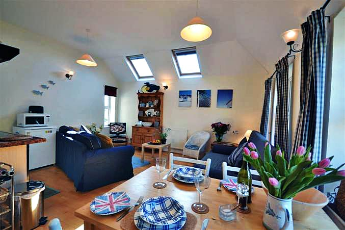 The Barnacle a british holiday cottage for 4 in ,