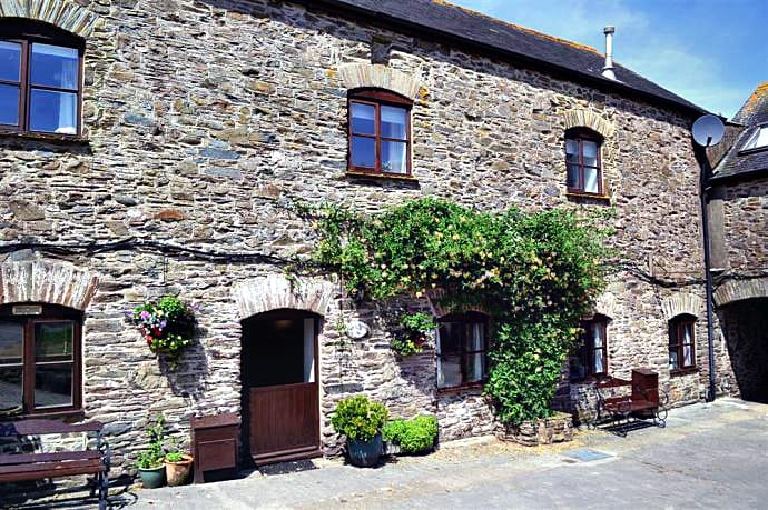 Beeches a british holiday cottage for 8 in ,