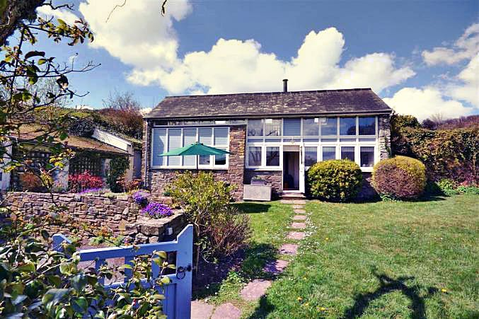 Higher Combe Barn a british holiday cottage for 4 in ,
