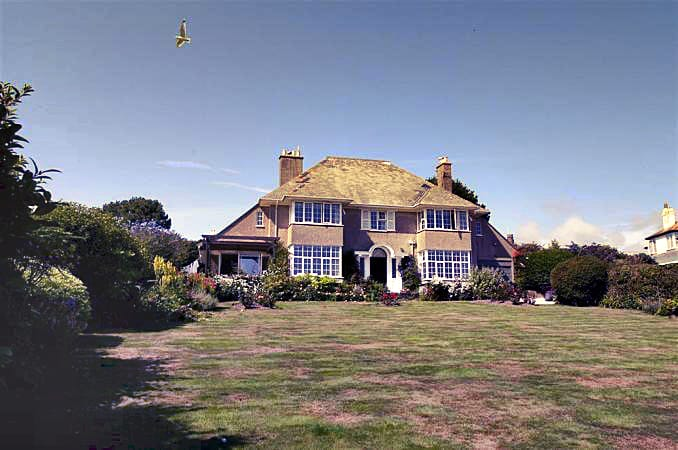 Higher Furlong a british holiday cottage for 11 in ,