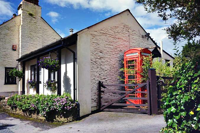 Ivy's Retreat a british holiday cottage for 2 in ,