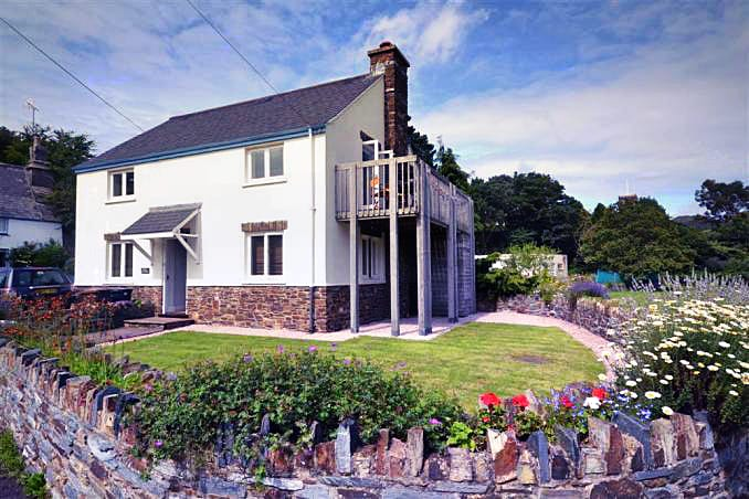 Pool Cottage a british holiday cottage for 8 in ,