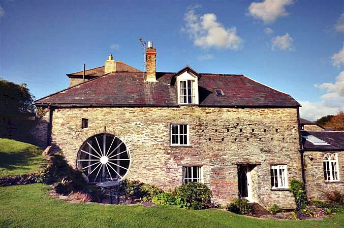 Stokenham Corn Mill a british holiday cottage for 8 in ,