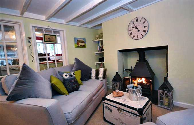 Yew Tree Cottage a british holiday cottage for 2 in ,